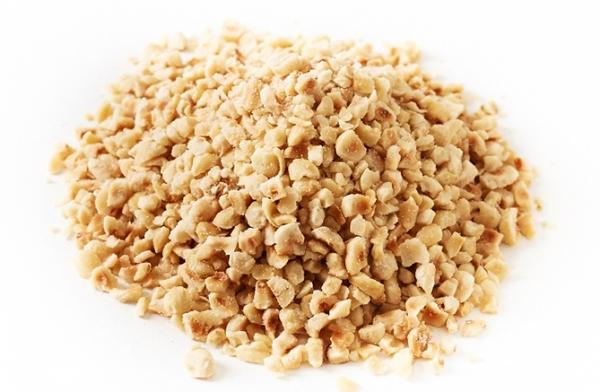 chopped-hazelnut-kernel-1-600x392